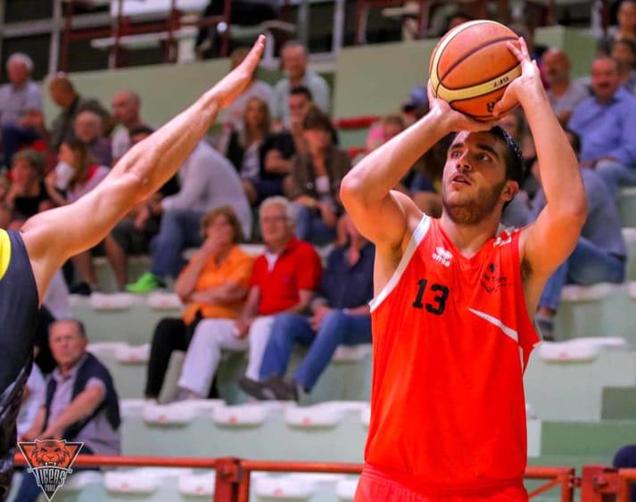 Luca Agatensi è un giocatore del Basket Lugo